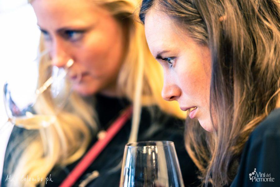 Degustazione vino bianco in Norvegia Scandinavia
